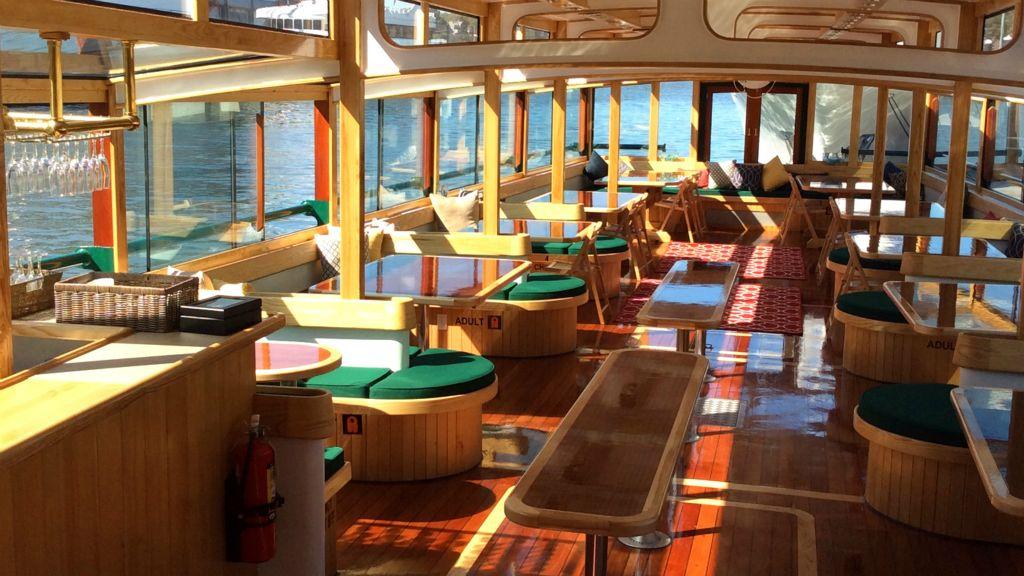 Manhattan Ii Party Boat Caliber Yacht Charter Prestige