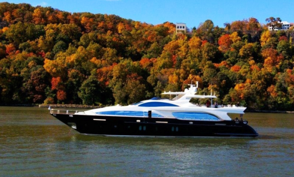 Vivere Yacht Fall Foliage